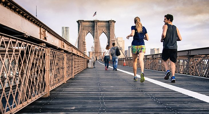 People jogging Brooklyn bridge